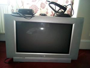 Tv toshiba old style with freeview box