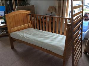 Cot bed in Lincoln