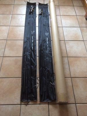 Pair of Avid carp Traction 12' 3lb test curve rods