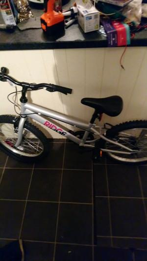 "1x girls brand new 20"" bike"