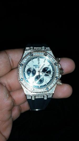 Audemars piguet royal oak offshore chronograph fully iced brand new for sale very nice watch