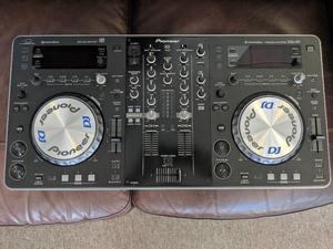 Pioneer xdj r1 USB/CD/laptop controller in immaculate condition, includes decksaver