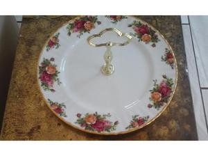 Vintage Royal Albert Cake Stand in Rhyl