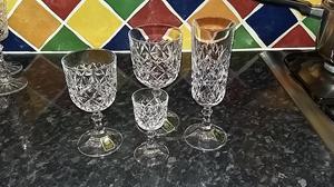 CRYSTAL GLASSES/CHAMPAGNE GLASSES