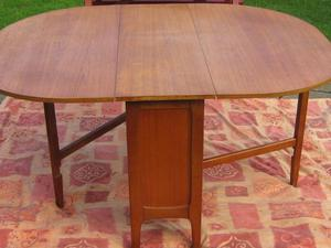 Retro drop leaf dinning table and 4 chairs