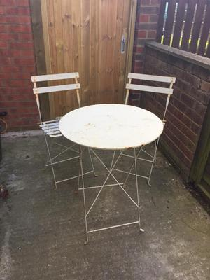 Shabby Chic Vintage Metal Garden/ Bistro Table & Chairs