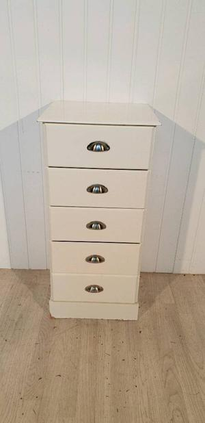 White chest of drawers tall narrow ornate | Posot Class