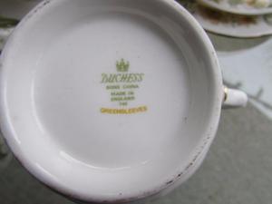 20 PIECE~DUCHESS~GREENSLEEVES BONE CHINA~'s TEA SET