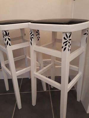 Black and white Kitchen Stools
