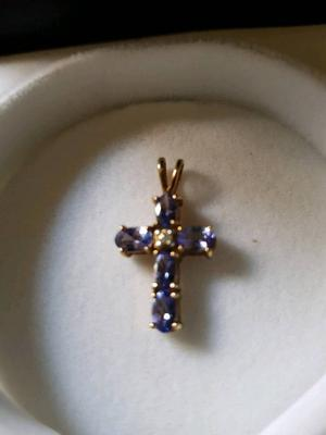9ct gold pendant cross with tansonite stones