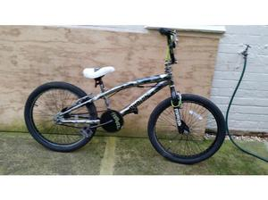 Magna Punisher Bmx in Good condition with 22 inch wheels in