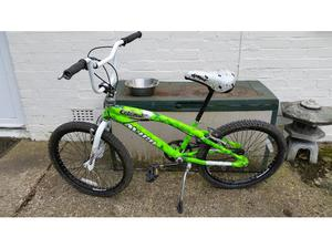 Avigo Catapult Bmx in Good condition with 22 inch wheels in