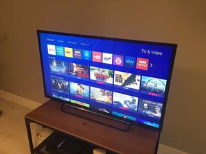 """Sony Bravia KDL-40RB 40"""" LCD TV (very good)"""
