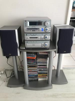 JVC 3cd unit with speakers working condition.