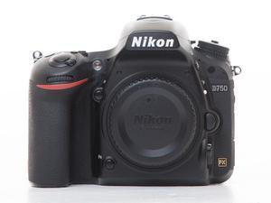 Nikon D750 body. Great condition!