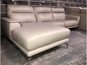 Wondrous Dfs Caesar Ranch Leather Chaise Sofa In Swansea Posot Class Camellatalisay Diy Chair Ideas Camellatalisaycom