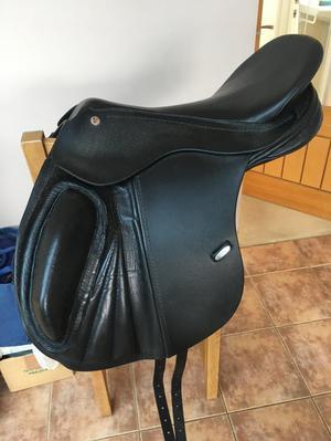 Solution Saddle Pro Jump