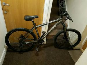 specialized mountain bike with 26 inch wheel size