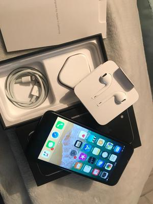(APPLE WARRANTY) iPhone 7 32gb Unlocked To All Networks