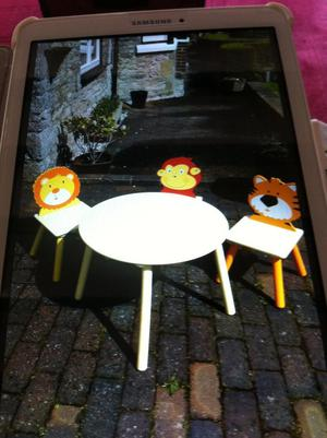 Child's table + 3 chairs