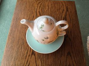 Laura Ashley fine bone China Tea for One teapot set.