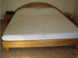 Super-Kingsize 6ft Double Bed in Crowthorne