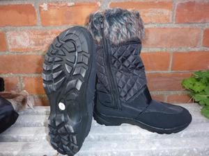 SNOE BOOTS SIZE 6