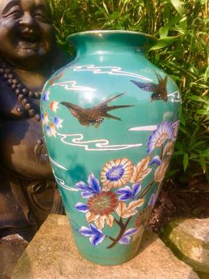 Antique Chinese's Vase swallows and flowers turquoise.