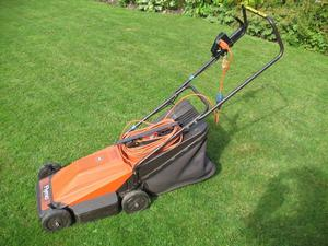 Flymo wheeled mower in good working order