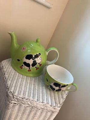 Whittard of Chelsea hand painted tea pot and mug brand new