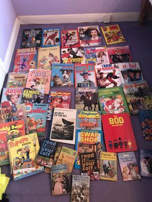 Huge bundle of vintage annuals / books
