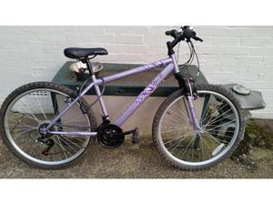 Apollo Jewel 18 speed 26 inch wheel mountain bike in