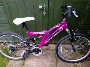 Girls Mountain Bike Front and Rear Suspension 21 Speed, 24 inch wheels, pink.
