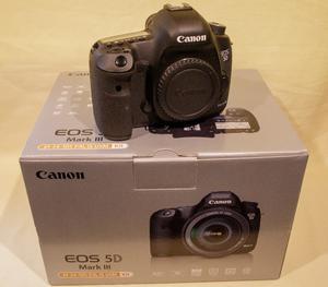 Canon 5D Mk3 Body + extras