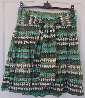 H&M PRETTY LADIES GREEN SKIRT WITH TIE BELT- SZ US 6 B4