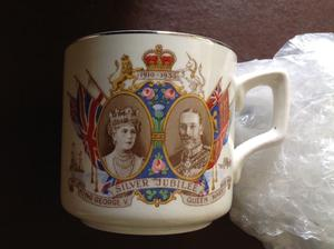 KING GEORGE V & QUEEN MARY SILVER JUBILEE MUG