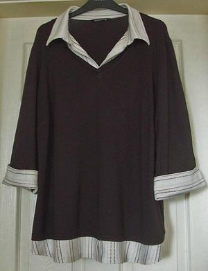 LADIES BROWN TOP WITH STRIPE TRIM BY ESSENCE - SZ 22 B4