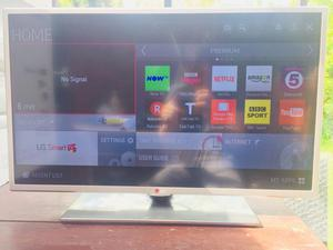 LG 32 inch LED SMART TV Built in WiFi ★ FULL HD p ★ Netflix ★ YouTube ★ Dual HD Tuner