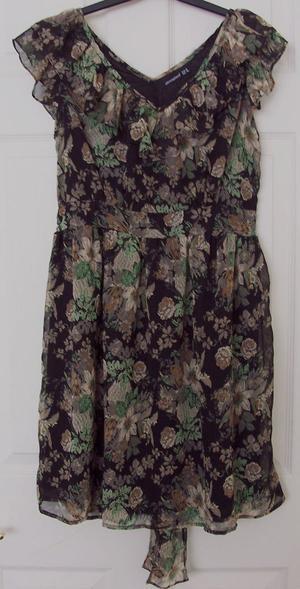 PRETTY LADIES FLOWERED DRESS/TOP BY ATMOSPHERE - SZ 14 B9