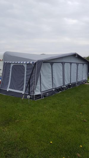 Quest Elite Balmoral Awning size cm