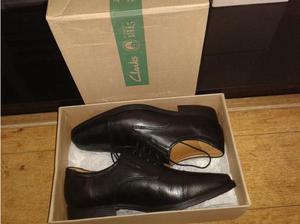 black leather shoes black (clarks size uk 7 1/2) brand new