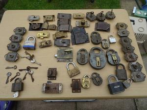 collection of padlocks, latches and keys including 2 x army padlocks
