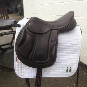 17.5 inch Exselle mono flap jumping saddle MW