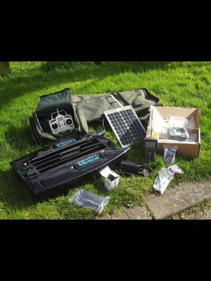 Angling technics microcat bait boat + accessories job lot