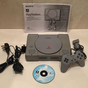 ORIGINAL SONY GREY PLAYSTATION 1 CONSOLE WITH PAD, CABLES,
