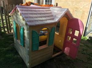 Little tikes cottage / house