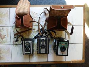 Set of 3 vintage cameras.