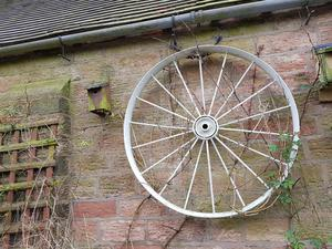 2 x ANTIQUE 18 SPOKE CART WHEELS WITH CENTRE BEARINGS