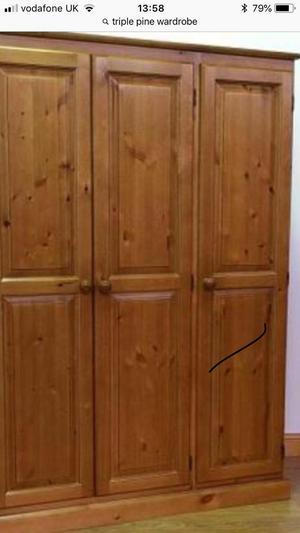 Pine tripple wardrobe
