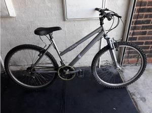 Shockwave Girls Ladies Mountain Bike. 18 speed. 26 inch